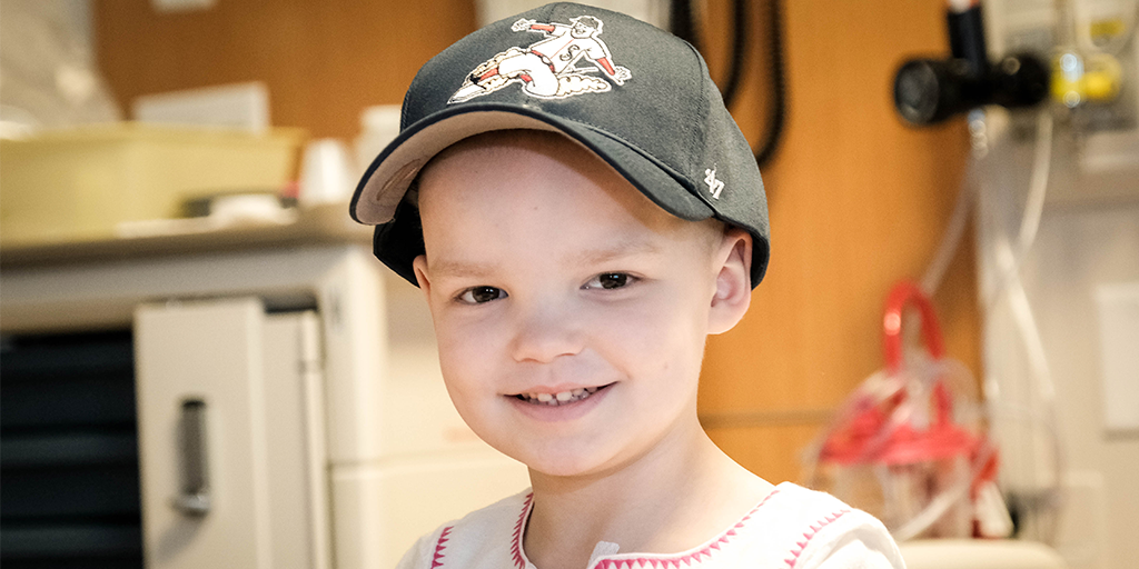 Patient with new Twins hat