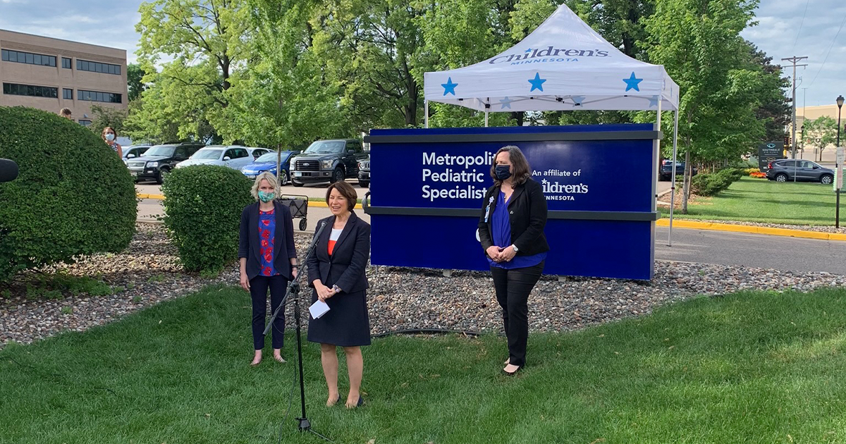 Senator Amy Klobuchar speaking at press conference outside of the Metropolitan Pediatric Specialists clinic in Edina