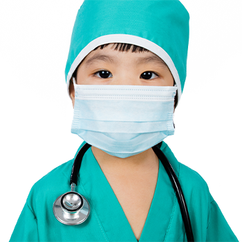 child dressed as a surgeon for Halloween